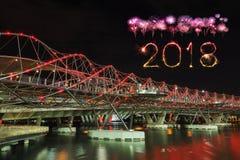 2018-guten Rutsch ins Neue Jahr-Feuerwerk Schein mit Schneckenbrücke in Singap Lizenzfreies Stockbild