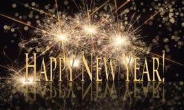 Guten Rutsch ins Neue Jahr-Goldtext mit Wunderkerzen Stockfotografie