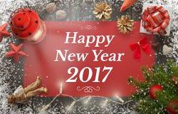 Guten Rutsch ins Neue Jahr-Gruß mit Weihnachtsbaum, Geschenk, Dekorationen stockbilder