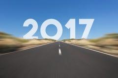 Guten Rutsch ins Neue Jahr-2017 Konzept - Straße, Landstraße mit Text Lizenzfreies Stockbild