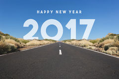 Guten Rutsch ins Neue Jahr-2017 Konzept - Straße, Landstraße mit Text Lizenzfreie Stockfotos