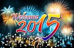 Guten Rutsch ins Neue Jahr 2015 mit bunten Feuerwerken Stockfoto