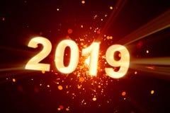 Guten Rutsch ins Neue Jahr-Postkarte 2019 mit glänzender Wunderkerze stockfotos