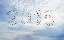 Guten Rutsch ins Neue Jahr 2015 verfassen von den Vögeln Stockfotos