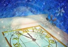 Guten Rutsch ins Neue Jahr! Winterhintergrund Schneeflocken werden Stunden umgedreht Lizenzfreie Stockfotografie