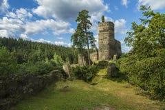 Gutstejn gammal historisk arkitekturslott i Tjeckien Royaltyfri Bild