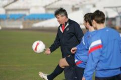 Guus Hiddink, de bus van het het voetbalteam van Rusland Stock Foto