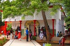Guwahati, Assam, India, Wrzesień 2016, Umananda Shiva świątynia, Guwahati, Assam Pawia wyspa po środku rzecznego Brahmaputra Zdjęcie Royalty Free