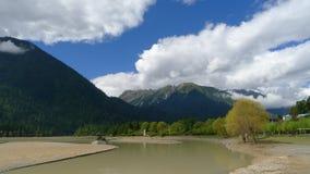 Guxiang jeziora krajobraz w Bomi, Tybet, Chiny Obraz Stock