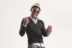 Guy Using Smart Phone nero Immagine Stock Libera da Diritti