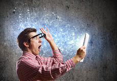 Guy using tablet pc Royalty Free Stock Images