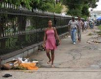 Guyana Georgetown: Trottoar/gångare i centret Arkivbild