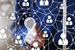 Guzika pomysłu ikony żarówki biznesowa online sieć Obrazy Stock