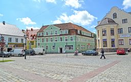 GVARDEYSK, ROSJA Dziejowy budynek przy zwycięstwo kwadratem zdjęcia royalty free