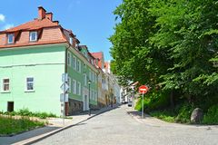 GVARDEYSK, ROSJA Gornaya ulica w letnim dniu zdjęcia royalty free