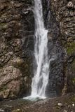 Gveleti siklawa w Wielkich Kaukaz górach w Gruzja fotografia stock