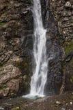 Gveleti vattenfall i större Kaukasus berg i Georgia arkivbild