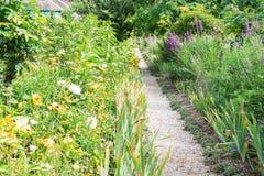 Gverny green garden gallery