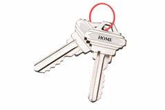 Gviving Haustasten des des Immobilienmaklers oder Grundstücksmaklers zum neuen Hausbesitzer, Fokus auf Tasten stockbild