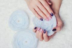 Gwóźdź sztuka z purpur i menchii kolorami zdjęcie stock