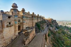 GWALIOR, ИНДИЯ - 22-ОЕ МАРТА 2017: Индийский форт в Madhya Pradesh на стоковые фото