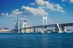 GwangAnbrug en Haeundae-overzees in Busan, Zuid-Korea royalty-vrije stock afbeelding