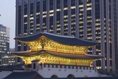 Gwanghwamun (la porte principale et du sud) images stock