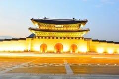 Gwanghwamun main gate at night in Seoul Stock Photography