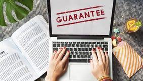 Gwaranci ilości zapewnienie Poświadczający Godny zaufania pojęcie zdjęcie royalty free