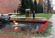 Gwardia honorowa przy grobowem Niewiadomy żołnierz w Aleksander ogródzie Poczta liczba 1 Zdjęcie Royalty Free