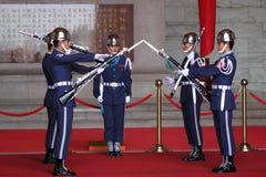 Gwardie Honorowe zmienia przesunięcie Obraz Stock
