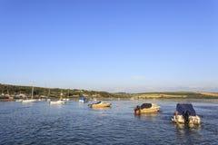 Gwbert och den Teifi breda flodmynningen Royaltyfri Foto