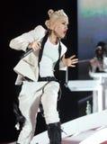 Gwen Stefani con nessun dubbio esegue immagine stock