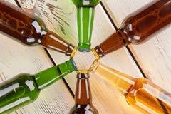 Gwiazda od szklanych butelek piwo Zdjęcie Royalty Free
