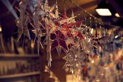 Gwiazdowe kształtów bożych narodzeń dekoracje fotografia royalty free