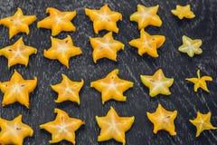 Gwiazdowe owoc na drewnianym stole Tajlandzka owoc: Gwiazdowa owoc jest popularna Zdjęcia Stock