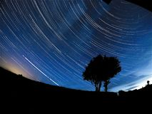 Gwiazdowi ogony nad okresem 8 godzin obraz stock
