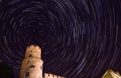 Gwiazdowy ślad w nocnym niebie przy północą Obraz Royalty Free