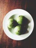 Gwiazdowy jabłko na drewnianym stole Zdjęcie Stock