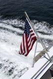 Gwiazdy & lampasy zaznaczają na stern łódź Zdjęcia Royalty Free