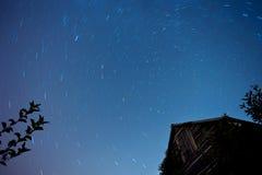 Gwiazdy przy nocnym niebem Zdjęcia Royalty Free