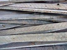 Gwoździe Sterczy Od Starych Drewnianych desek zdjęcie royalty free