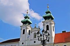 GyÅ `的r,匈牙利本尼迪克特的教会 库存照片