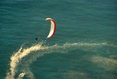 Gyckel med paragliding Fotografering för Bildbyråer