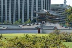Gyeongbokgung slott sidosikten Arkivfoto