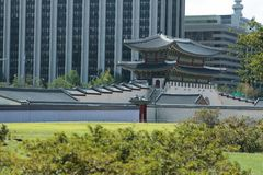 Gyeongbokgungpaleis het zijaanzicht Stock Foto