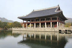 Gyeonghoeru,一个开放二层的亭子 库存照片
