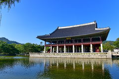 Gyeonghoeru Pavillion (banquet royal Hall) de palais de Gyeongbokgung à Séoul Photo libre de droits