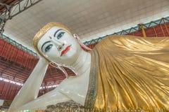 Gyi возлежа Будда htat Chauk, Янгон, Стоковая Фотография RF