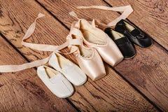 Gym buty i baletniczy pointe buty Fotografia Royalty Free